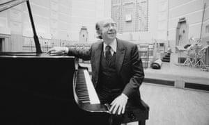 Gennady Rozhdestvensky in the UK in 1977