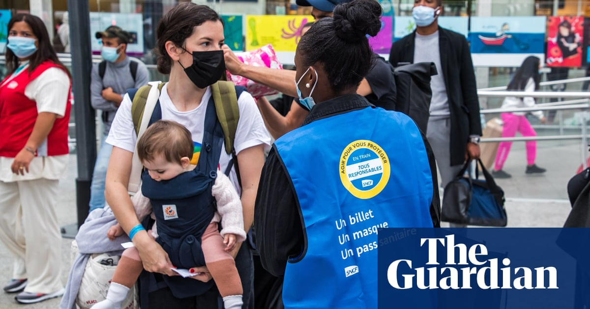 France extends Covid health pass after fourth weekend of protests