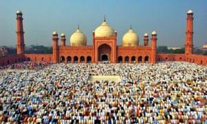 muslims gathering for eid prayer in lahore pakistan