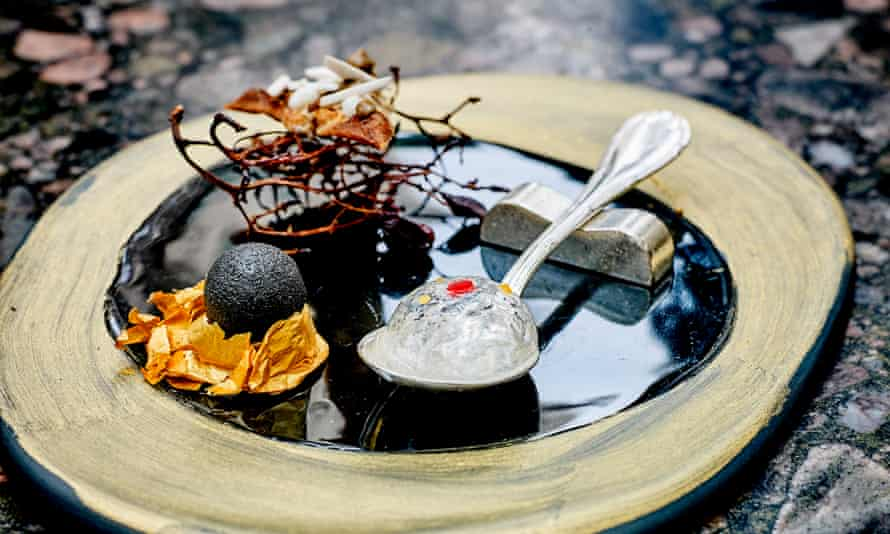 'Like a Barbie-sized silicone breast implant': amuse-bouches.