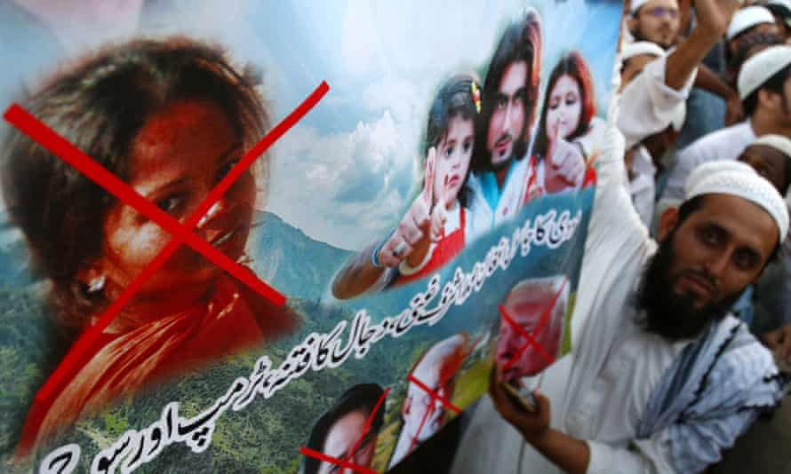 Protesters demonstrate in Karachi in November against Asia Bibi's release