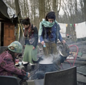 """Cooking is a communal activity, especially when the weather is nice. Diggers will often take turns cooking a large, shared meal with whatever has been recently liberated (""""skipped"""") from local supermarket dumpsters"""