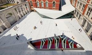 The Sackler Courtyard, V&A Exhibition Road Quarter, designed by AL A ©Hufton+Crow