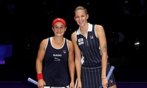 The world No 1 and No 2 pose before the match.