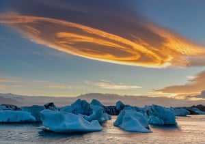 Cinnamon Rolls Cloud by Sun Bingyin