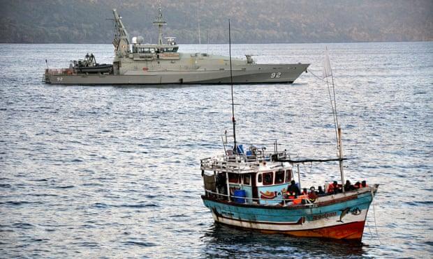 \'Asylum seeker boat\' arrives in the Australian territory of the Cocos Islands