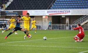 Thorgan Hazard of Borussia Dortmund scores.
