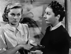 Fontaine with Judith Anderson as Mrs Danvers, the face that launched a thousand drag acts.