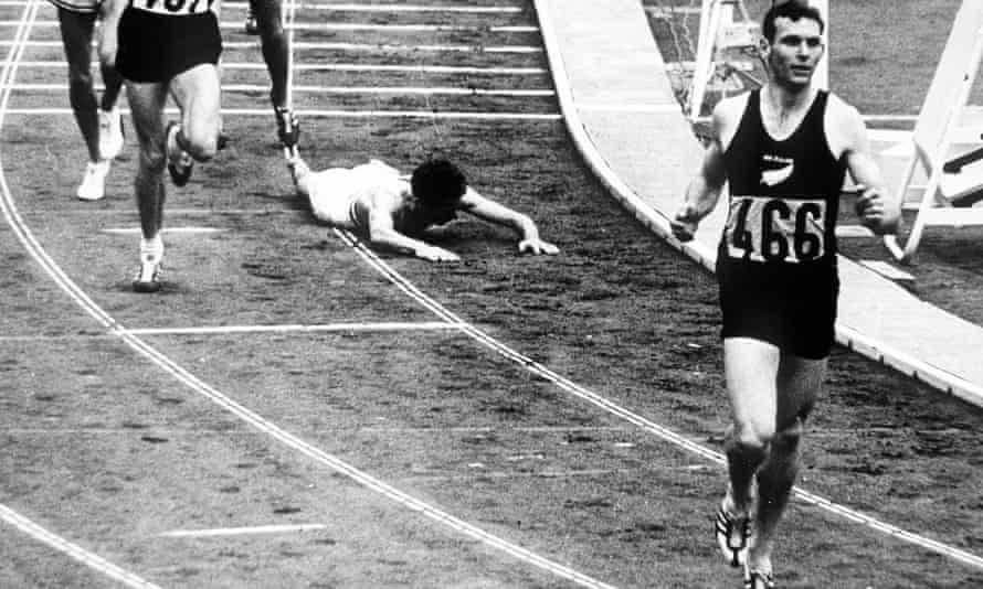 Peter Snell leaves the field in his wake to claim the 1500m gold at the 1964 Olympic Games in Tokyo.