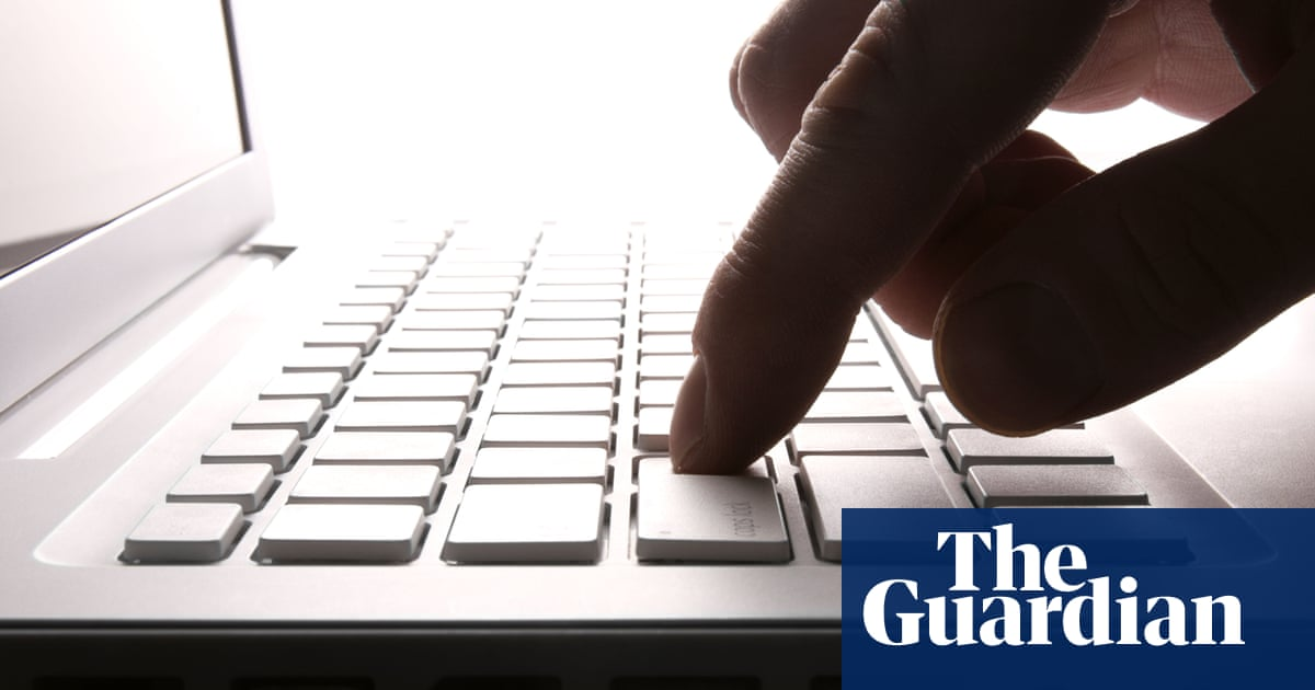 Australian telcos block dozens of websites hosting Christchurch