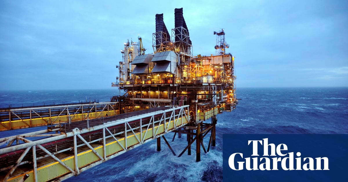 BP shares plunge amid 'low-carbon plan' and slipping oil market