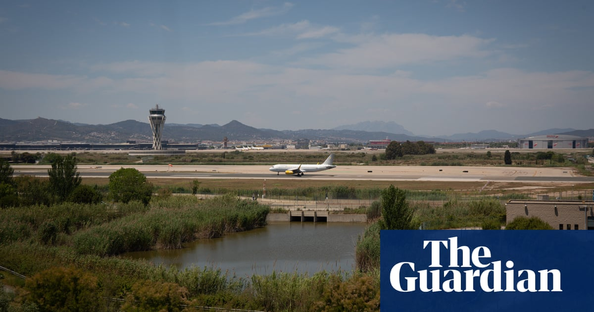 Controversial Barcelona airport expansion plan agreed