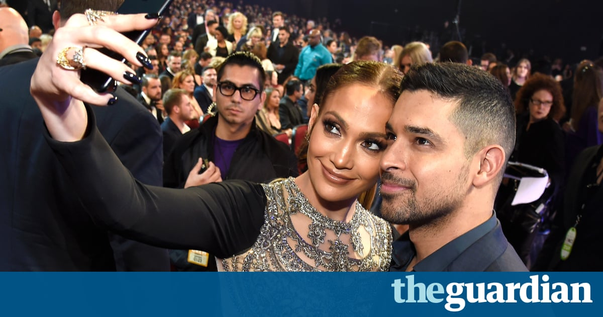 People's Choice Awards 2017 red carpet and best moments  in pictures