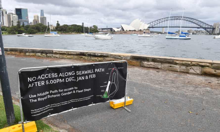 An empty Sydney Harbour foreshore at Mrs Macquaries Point