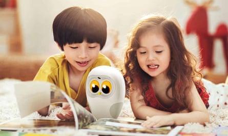 Luka the reading owl.