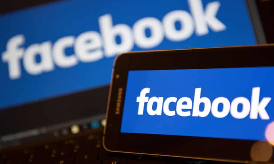 Facebook is inviting major news organizations roundtables, hackathons and shared online groups.
