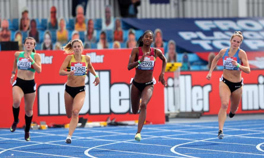 Rhiannon Linington-Payne, far right, competes in a women's 400-metre event in September 2020 in Manchester, England.