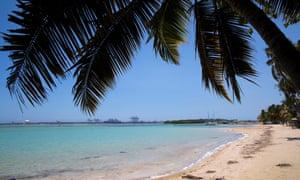 Pantai Boca Chica di Republik Dominika terlihat