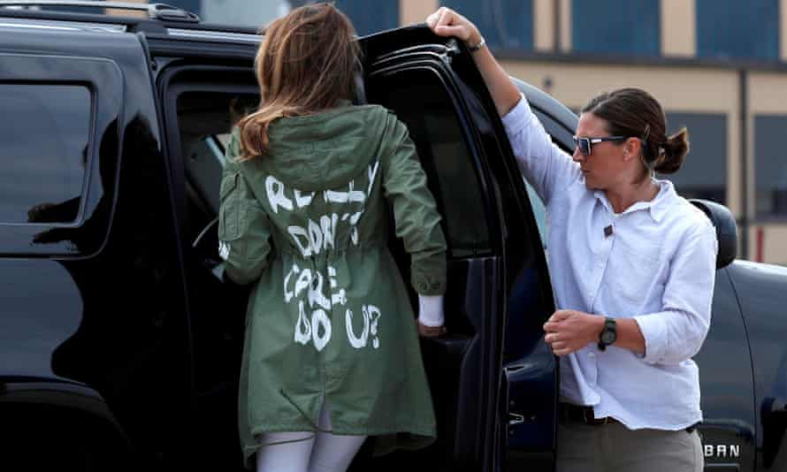 Melania Trump climbs into her motorcade wearing the infamous Zara jacket, in Maryland in 2018.