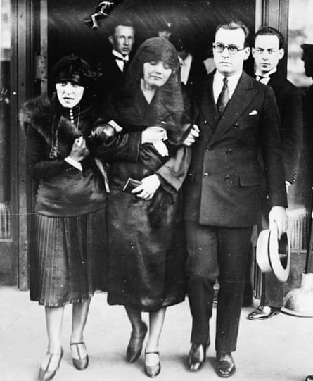 Pola Negri, to whom Valentino was engaged, at his funeral, 8 September 1926.