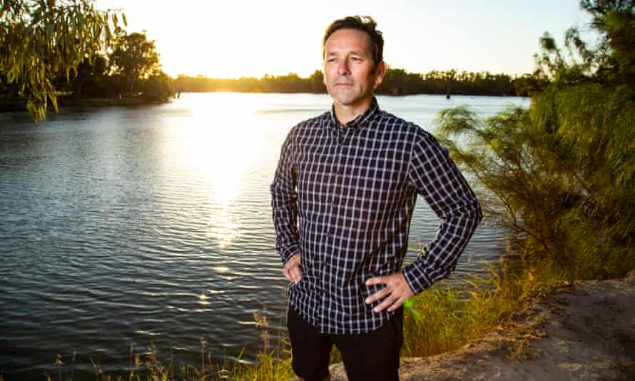 The deputy mayor of Mildura, Jason Modica, will become the second independent candidate to challenge the National party in the seat of Mallee
