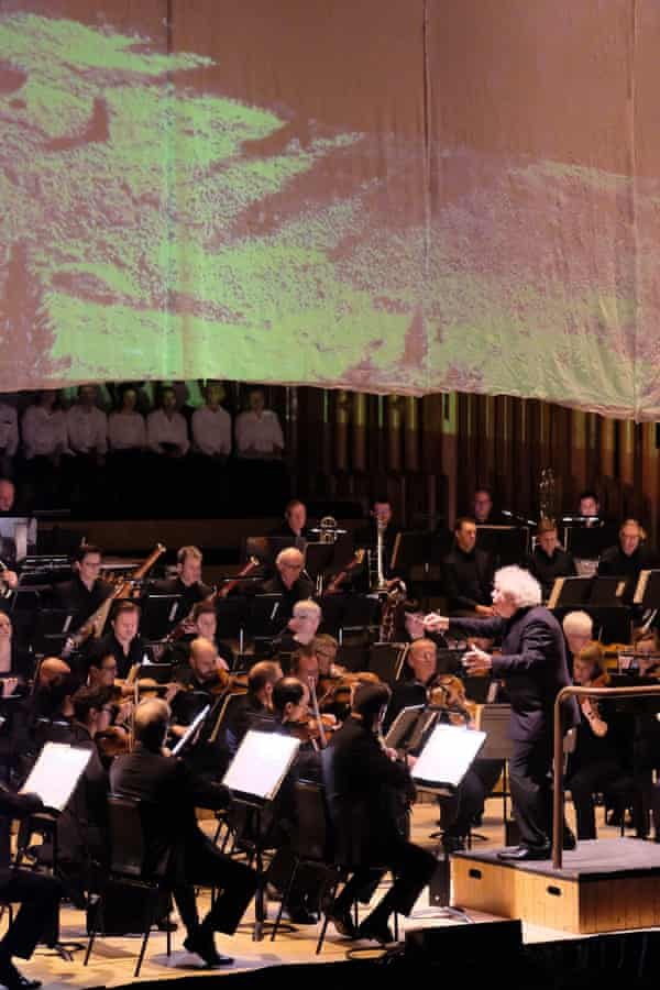 Simon Rattle conducts the LSO in Bartók's Concerto for Orchestra at the Barbican.