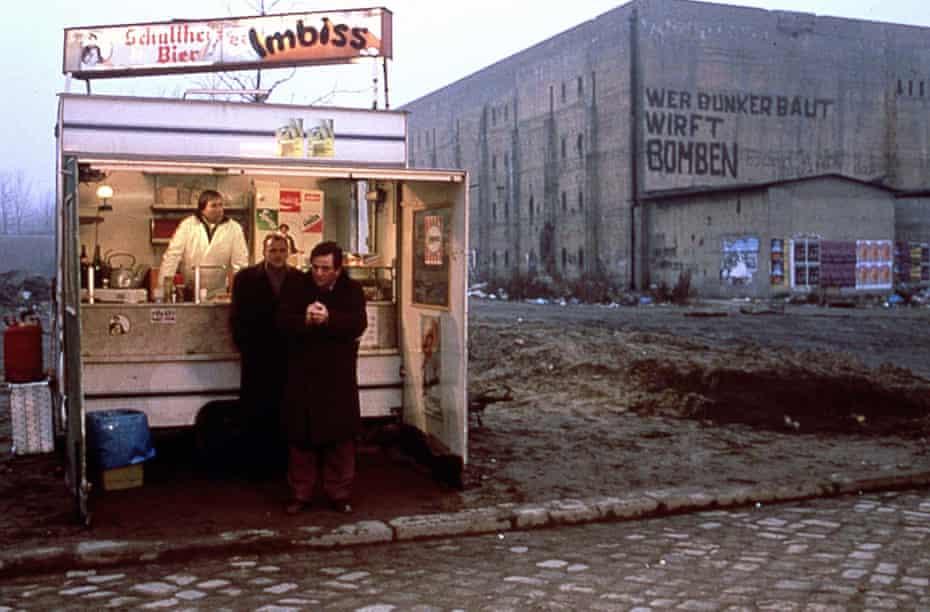 Berlin Bruno Ganz et Peter Falk dans Wings of Desire.