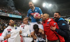 Napoli's Gonzalo Higuaín celebrates after breaking the Serie A scoring record by reaching 36 on Sunday.
