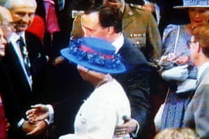 Former Australian prime minister Paul Keating with the Queen in 1992