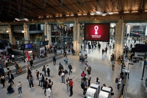 The busy main concourse at the Gare du Nord.