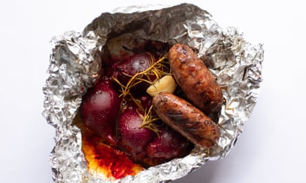 'A perfect little recipe for the barbecue': sausages and baked beetroot.