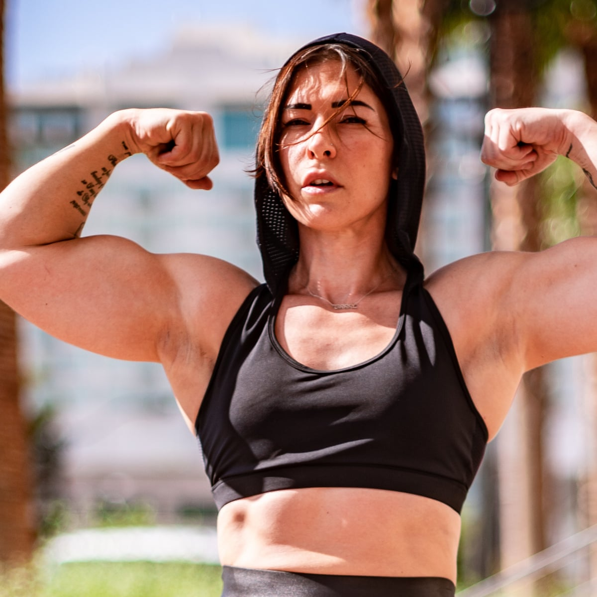 Muscl guy around sexy girls holding them Kortney Olson Is Crushing It It S About Them Experiencing True Female Strength Life And Style The Guardian