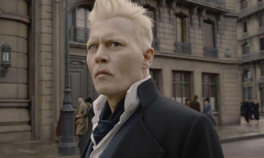 The magic has gone ... Johnny Depp in Fantastic Beasts: The Crimes of Grindelwald.