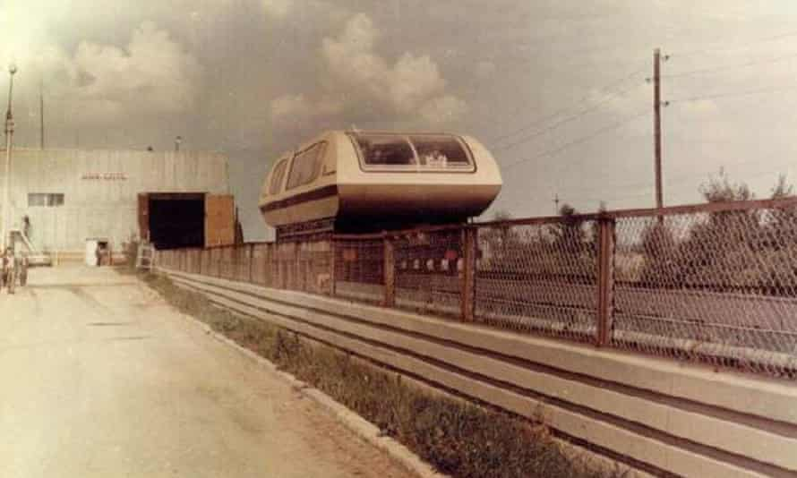 Moscow's Wagon TA-05 maglev train, as featured in a Soviet-era sci-fi film in which it had the name Fire-ball.