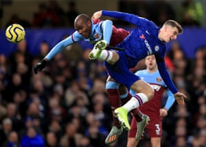 West Ham's Angelo Ogbonna and Chelsea's Mason Mount battle for a header as the Hammers win 1-0 away at Stamford Bridge. Chelsea didn't concede a single foul in this game, the first time they've ever done so in an entire Premier League game since Opta started recording data (2003-04).