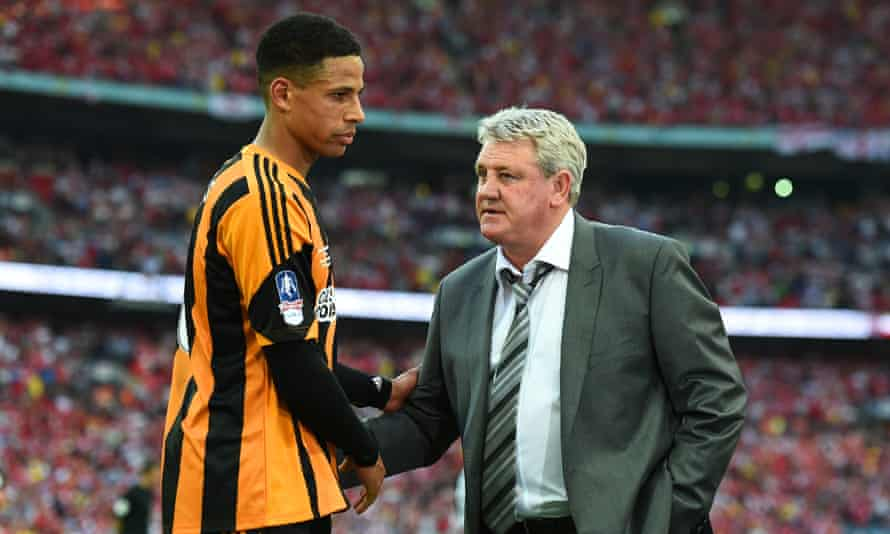 Steve Bruce, right, has won three promotions from the Championship and he and Curtis Davies will be hoping to bounce back from relegation with immediate promotion.