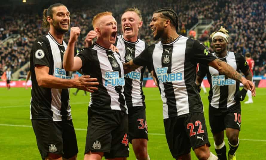 Matty Longstaff celebrates scoring the winner on his Newcastle debut against Manchester United