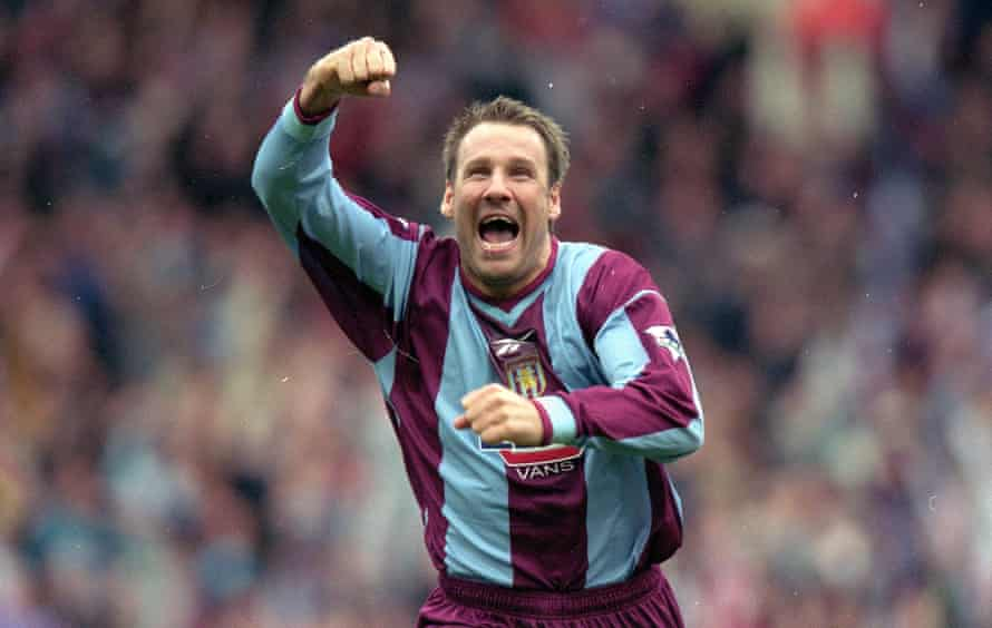 Paul Merson playing for Aston Villa