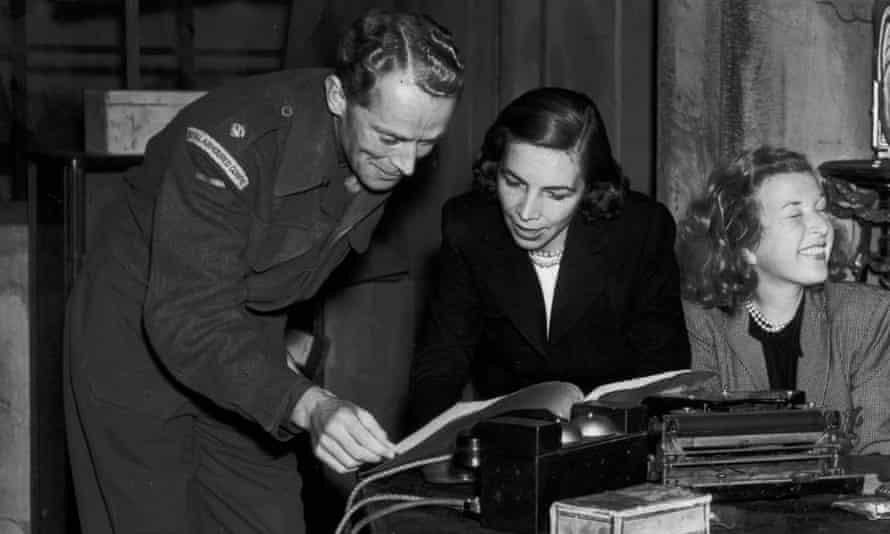 Martha Gellhorn (centre) reporting in 1946.