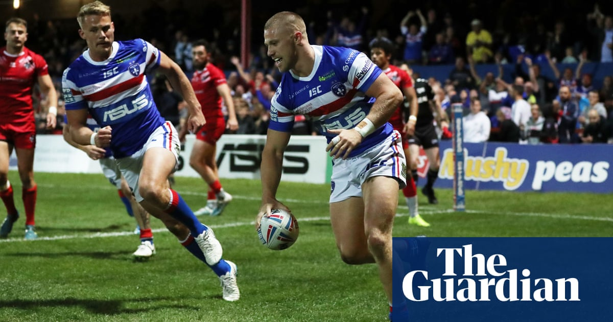 Wakefield win to stay in Super League and condemn London Broncos to relegation