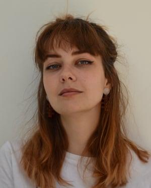 Headshot of fashion student Saffron Rutter