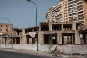 An unfinished building in Via Tiro a Segno in Palermo.
