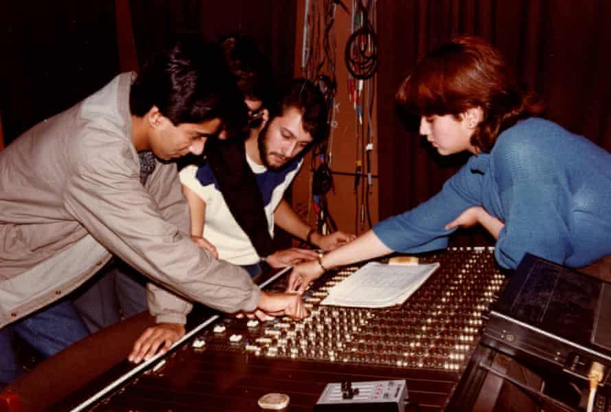 Working at Zela Studios, Birmingham, 1985.