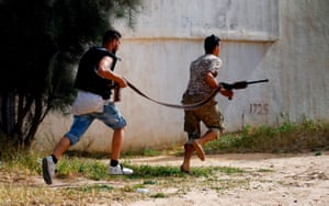 Government of National Accord (GNA) fighters get into position