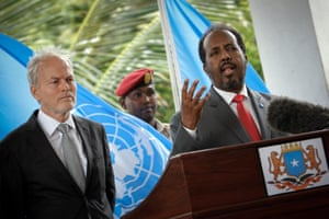 Hassan Sheikh Mohamud (r) with Nicholas Kay (l), pictured in June 2013.