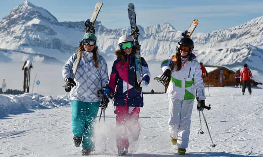 Skiers near Notre-Dame-de-Bellecombe.