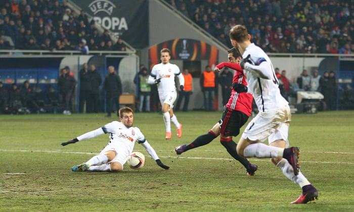 Manchester United-nederlaget Zorya Luhansk for å fremme i Europa League
