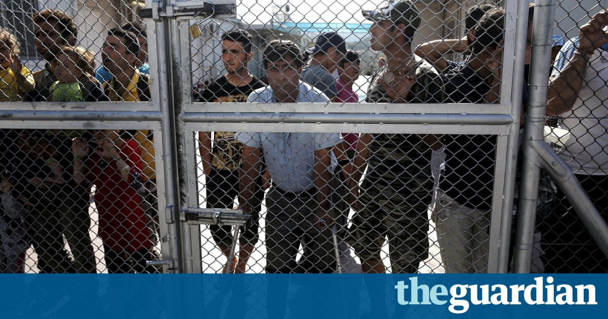 Refugees in Greek camps targeted by mafia gangs