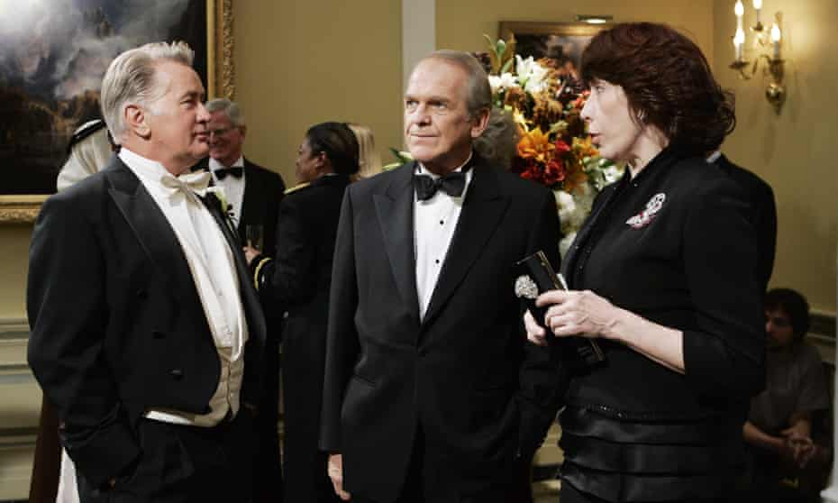 John Spencer, centre, with Martin Sheen and Lily Tomlin.