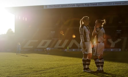 Laura Bassett and Danielle Buet playing for Notts County in 2015.